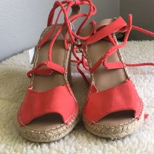 Merona Red Wedges
